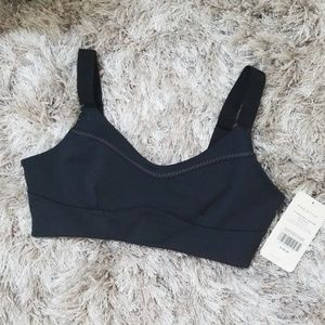 Black fabletics sports bra